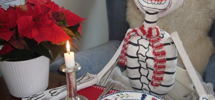Jeg inviterte juleskjelettet på middag i år også!